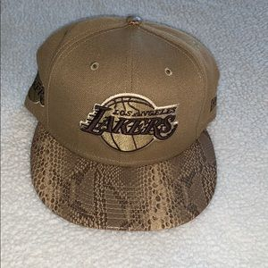 Los Angeles Lakers New Era Fitted Hat - Size 7 1/2